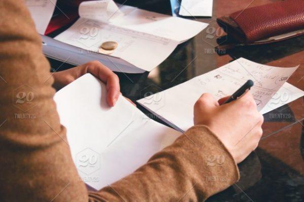 Aplikasi keuangan - Paper.id