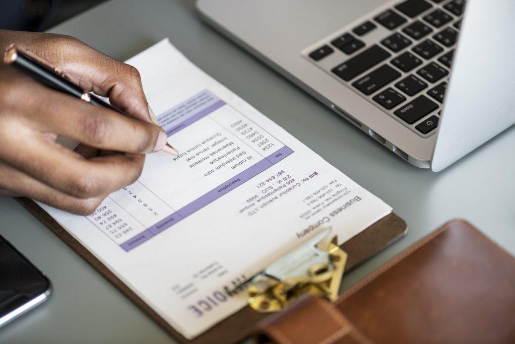 Kesalahan Yang Harus Dihindari Ketika Membuat Invoice - Paper.id