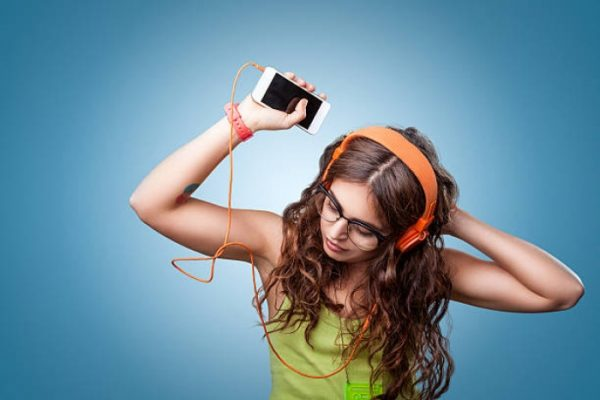 Sejarah Musik Streaming - Azvision. as