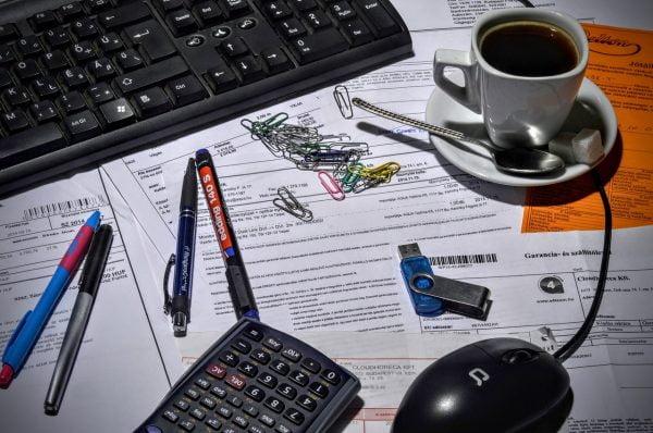 Contoh Invoice Perorangan ke Perusahaan Serta Penjelasannya