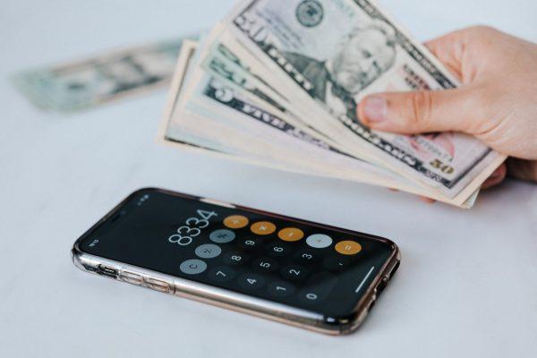 Perbedaan Omset dan Profit Yang Perlu Anda Ketahui